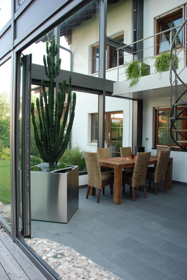 moderne garten anlage. Black Bedroom Furniture Sets. Home Design Ideas