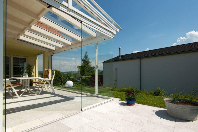 Geschützte Terrasse mit freiem Blick